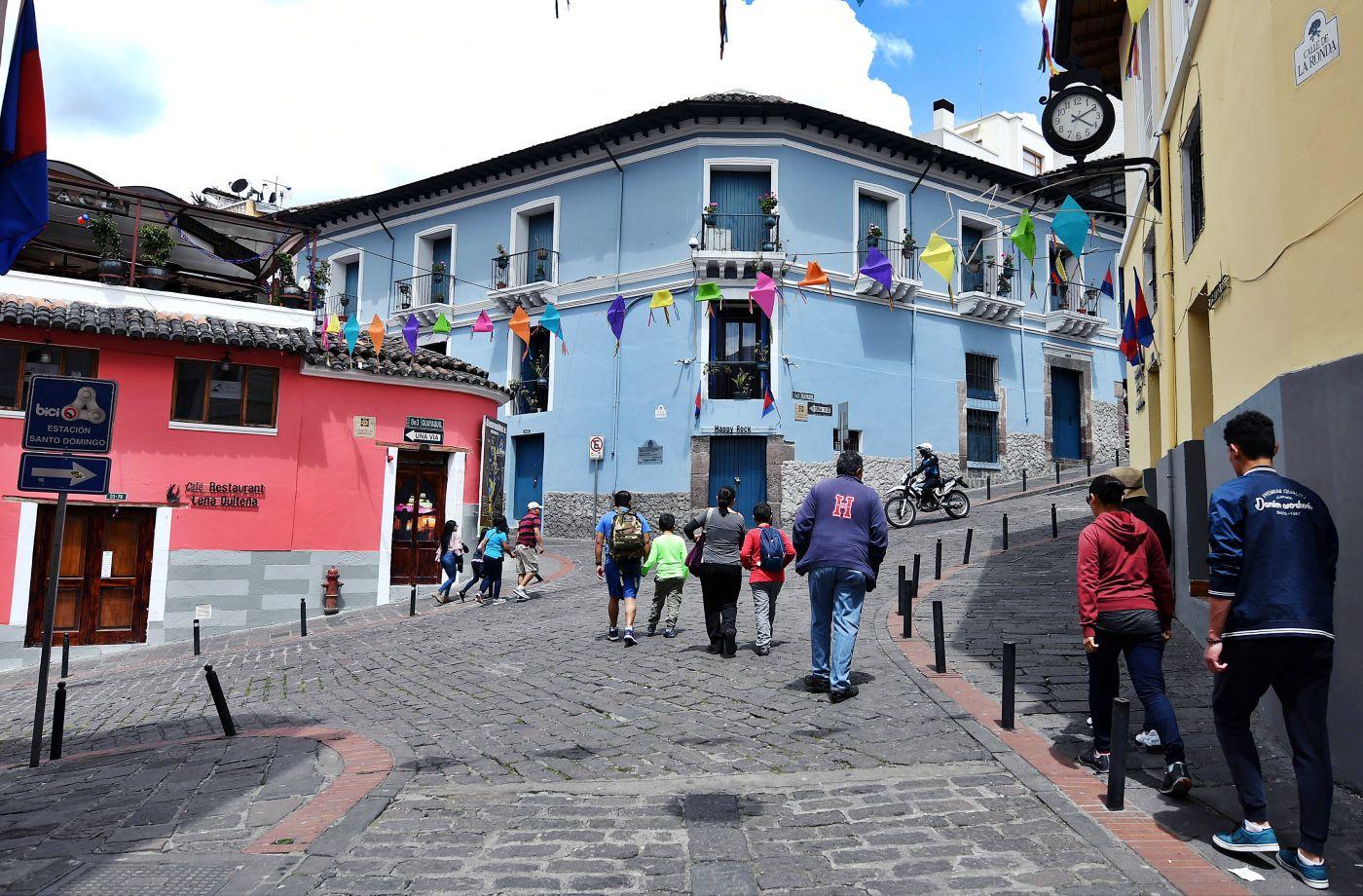 Españoles quieren a Quito para turistear