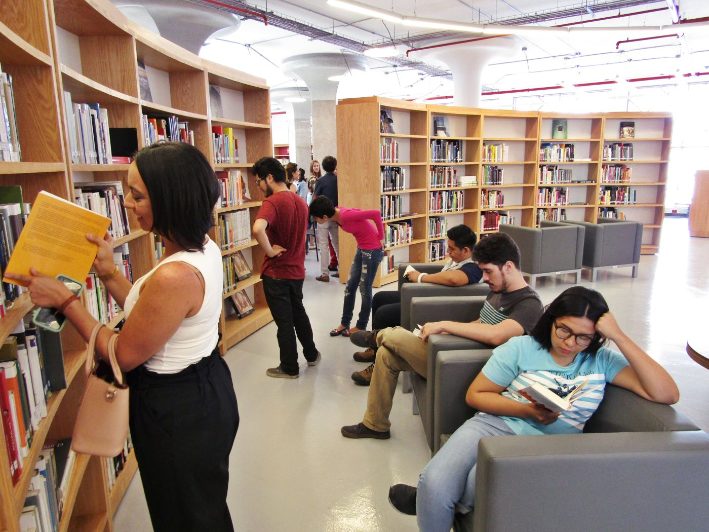 La primera biblioteca dedicada a las artes fue inaugurada en Guayaquil