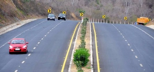 MTOP oficializó delegación de la carretera Chongón-Santa Elena