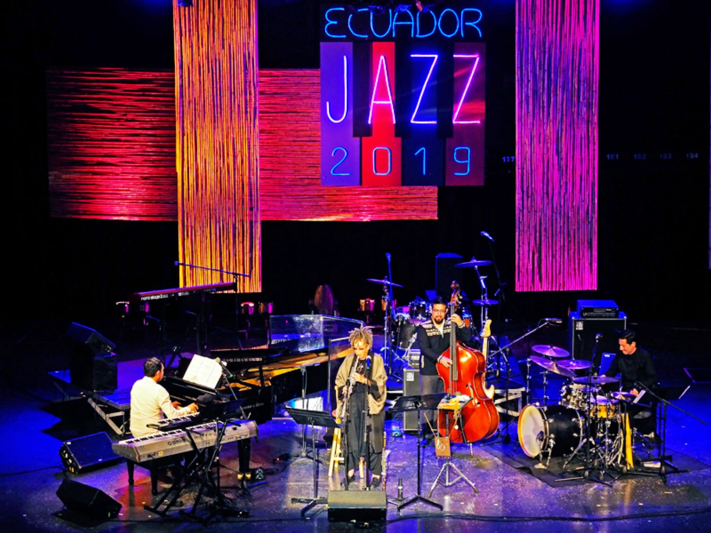 Luiz Simas con Su Terry y  Jazz de Barro, en concierto