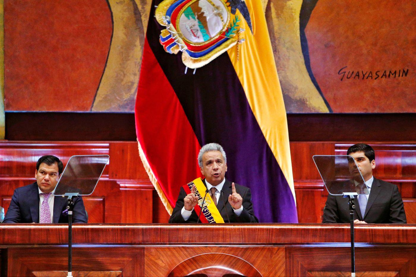 Ecuador estudia imponer una visa humanitaria a venezolanos inmigrantes