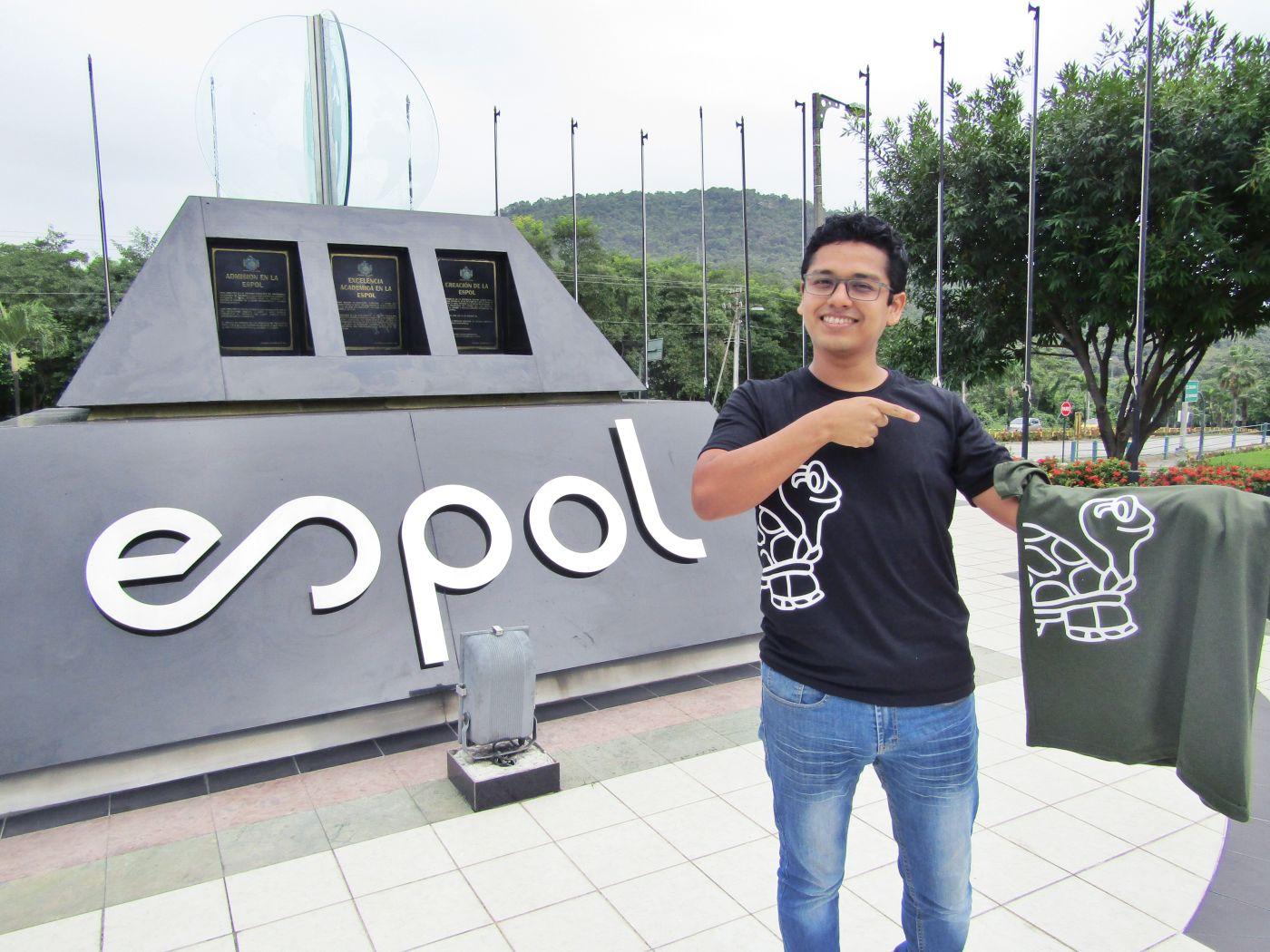 Iniciativa de politécnico busca perpetuar antiguo logo de la Espol entre sus estudiantes
