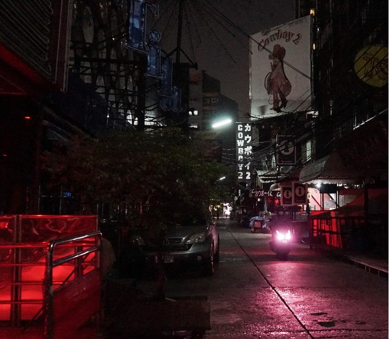 Trabajadoras sexuales en Tailandia salen a la calle, pese a riesgo de virus