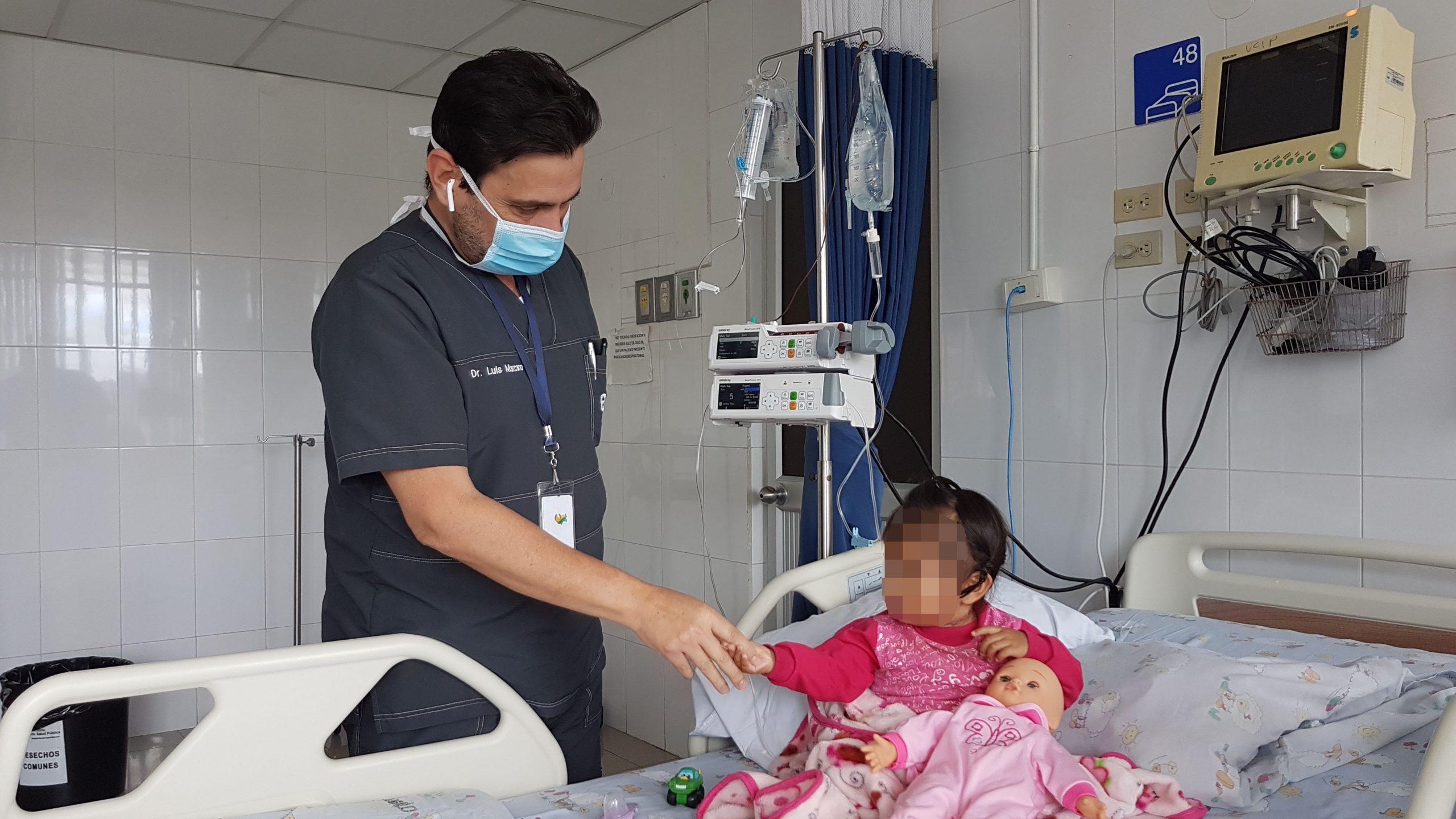 Menor de un año fue intervenida quirúrgicamente en el Hospital Vicente Corral Moscoso, en Cuenca