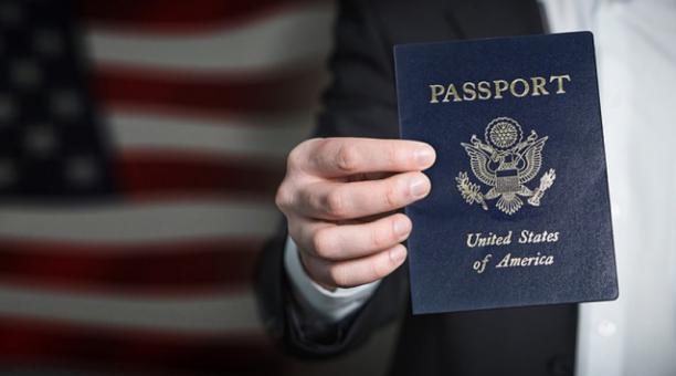 EE.UU. desiste de retirar visas a universitarios extranjeros que sigan estudios en línea