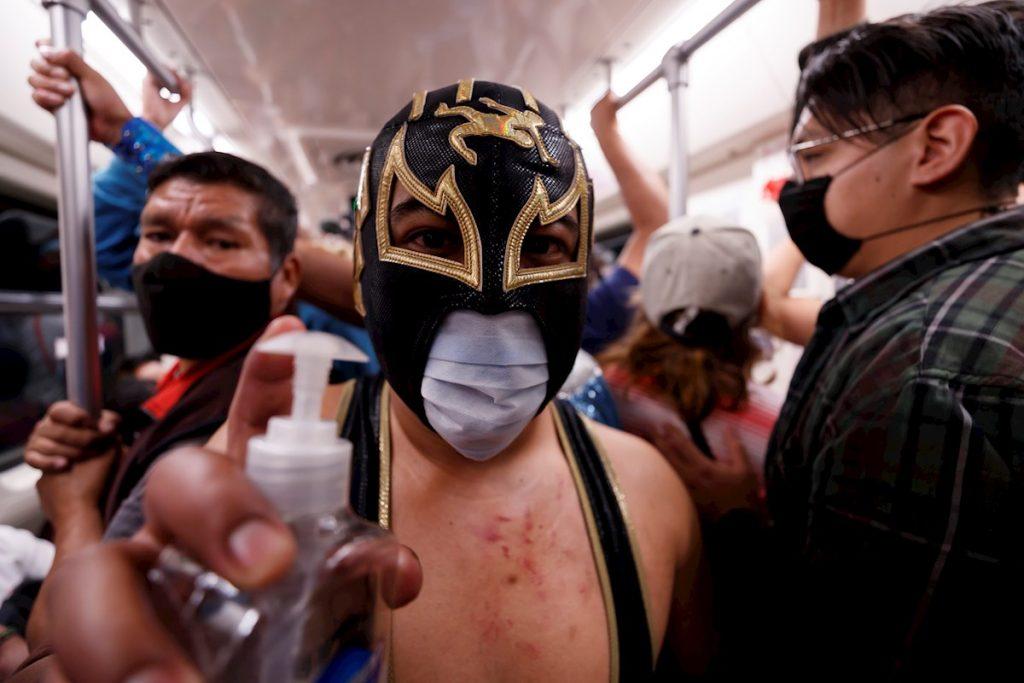 Luchadores mascarillas