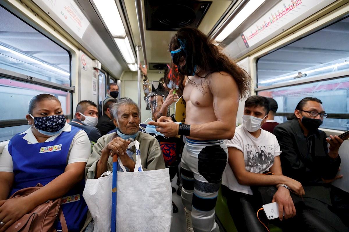 Metro Luchadores
