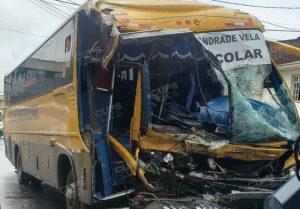 Uno de los vehículos involucrados en el accidente de tránsito. Foto: @Cupsfire_gye